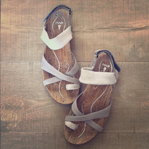 548ab91fe31 Ahnu Shoes - Ahnu Sananda Thong Sandals